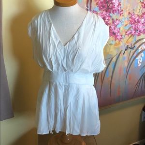 NWT DO+BE White Fit & Flare Blouse Sz. Lg